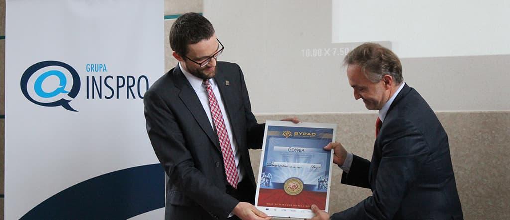Prezydent Gdyni odbiera certyfikat BYPAD